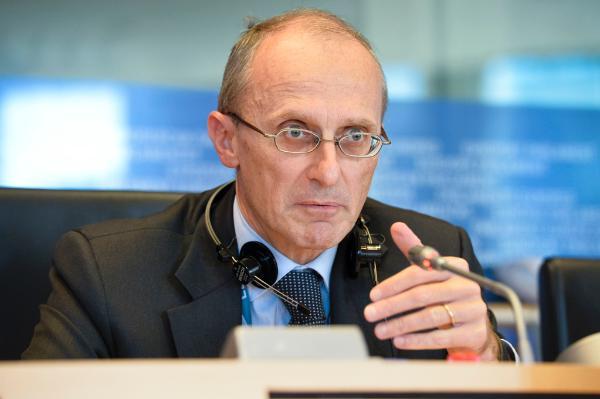 Enrique Enria en commission